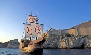 Replika dubrownickiej karaki (trzy/czteromasztowego statku żaglowego). Źródło zdjęcia: http://karaka.info