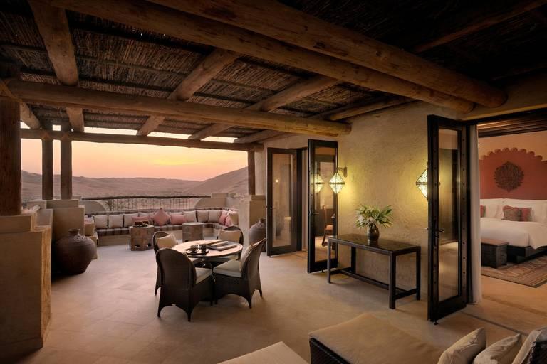 Pokój z tarasem. Źródło: Anantara Hotels.