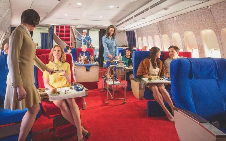 Kabina First class w replice Boeinga 747 Jumbo Jet linii Pan Am. Autor: Mike Kelley/ www.mpkelley.com