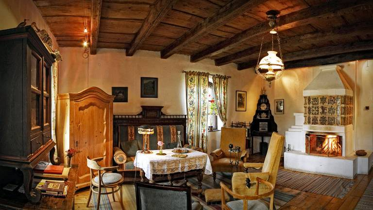 Reprezentacyjny salon w Miklosvar. Źródło: http://guest.transylvaniancastle.com/