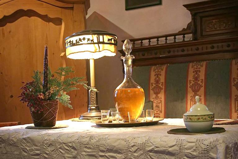 Uznana, transylwańska brandy. Źródło: http://guest.transylvaniancastle.com/