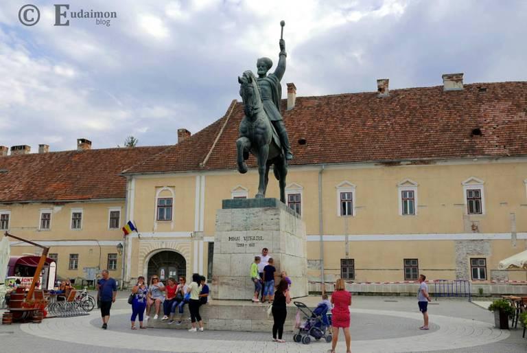 Pomnik Michała Walecznego - hospodara Wołoszczyzny i rum. bohatera narodowego © Eudaimon blog