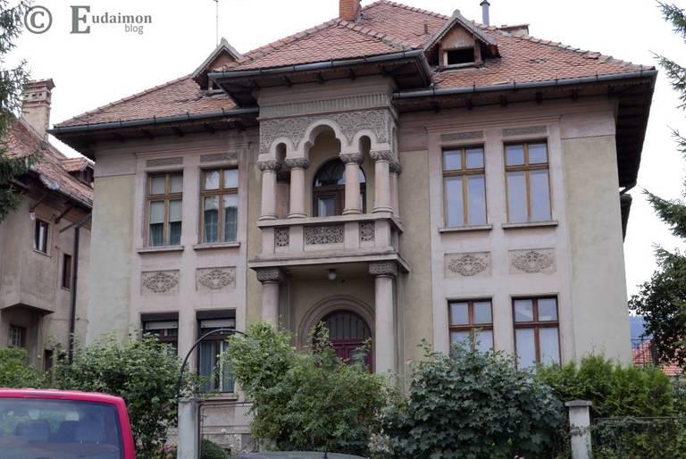 Willa w rezydencyjnej dzielnicy Schei © Eudaimon blog