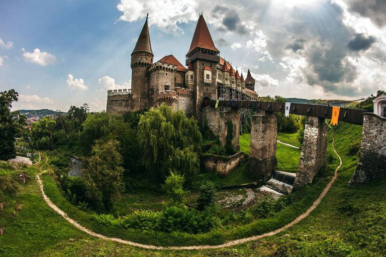 Zamek w Hunedoarze. Carcea Daniel/ Wikimedia Commons, CC BY-SA 3.0 RO