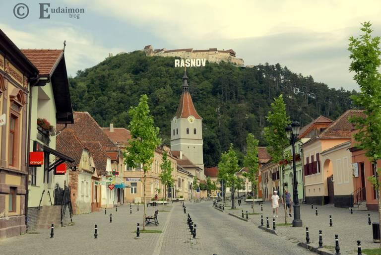 Miasto Râșnov (widok na twierdzę powyżej) © Eudaimon blog