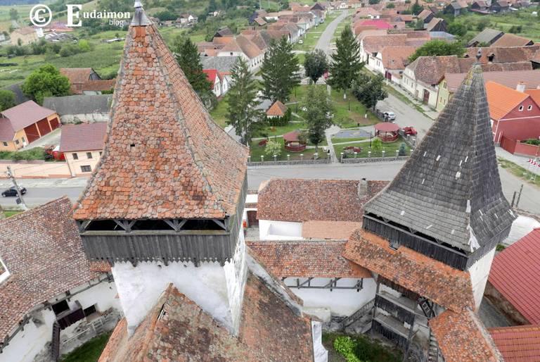Widok z wieży kościoła obronnego w Homorod © Eudaimon blog